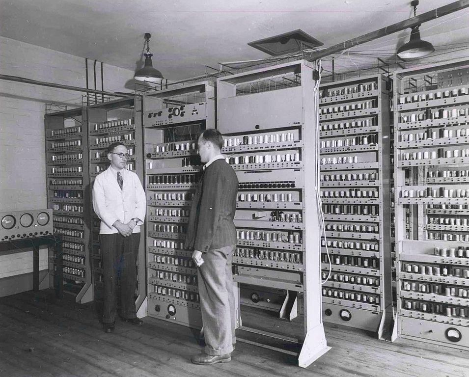 EDSAC I, W. Renwick, M.V. Wilkes.- Copyright Computer Laboratory, University of Cambridge.